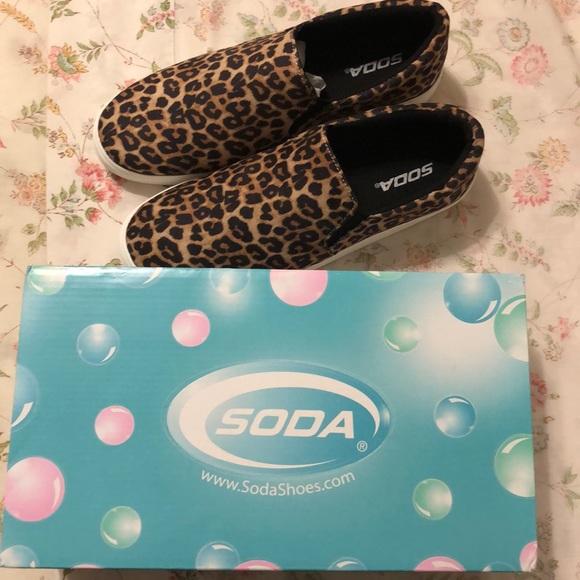 FIRM PRICE💛 Cheetah print canvas shoes 💛 BNIB!!